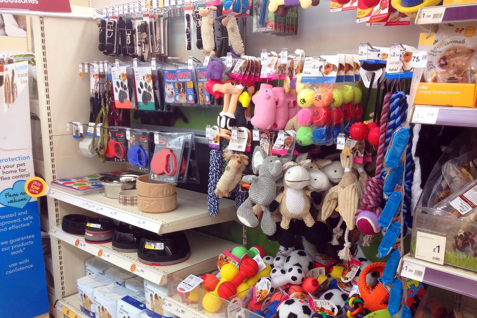 Pet Accessories, dog leads and feeding bowls